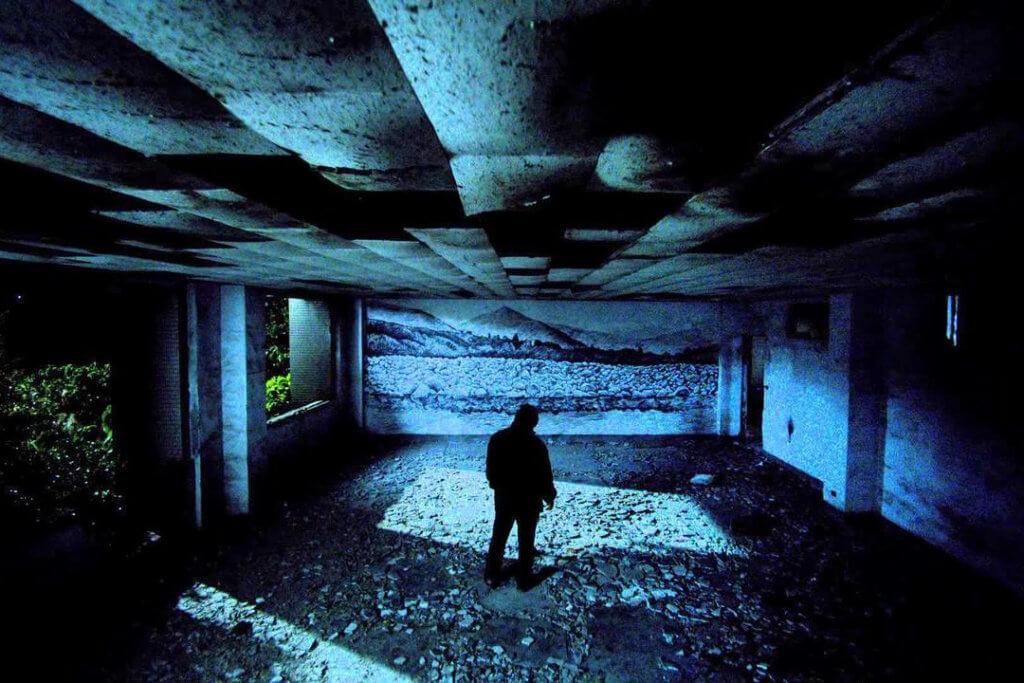 """Afbeelding bij artikel """"Scharrelen in de overblijfselen van een onleefbare wereld"""""""
